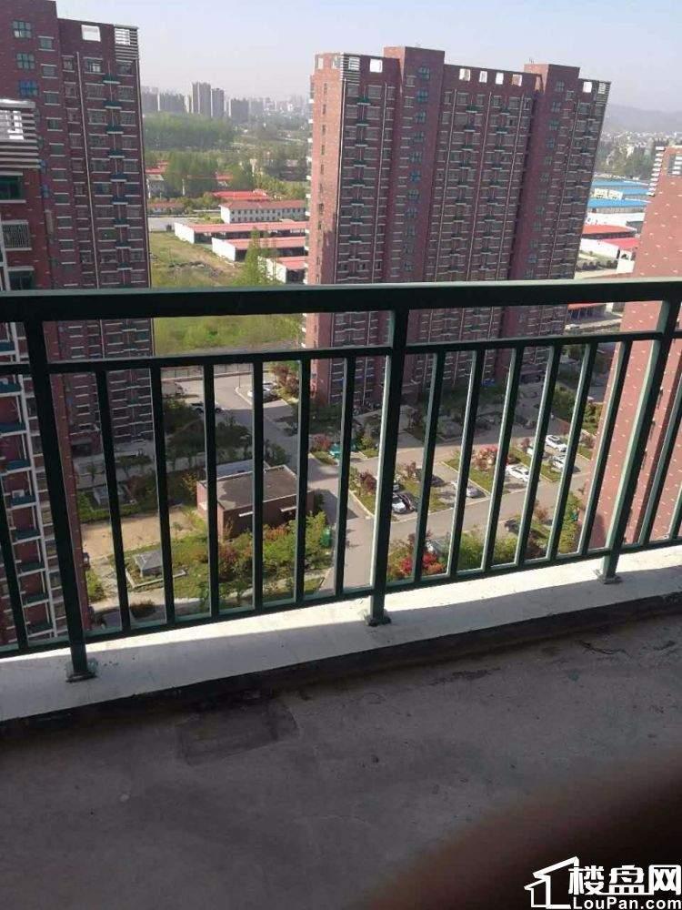 惊爆价城东菱溪苑3室 102平米毛坯无出让42.8万 电梯房高层视野好