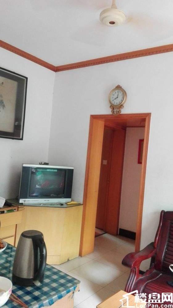东湖区箭道巷2室1厅67平米83万元