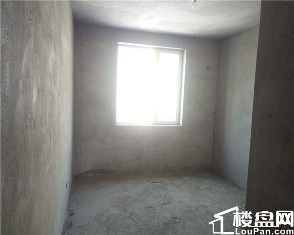 信驰易家村和新居步梯3楼120平毛坯61万三室首付13万 张