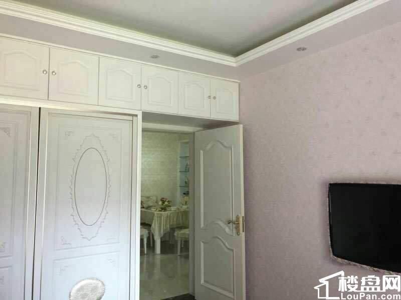 急售 华侨城89平2室2厅89平 满两年 新装 一口价98万