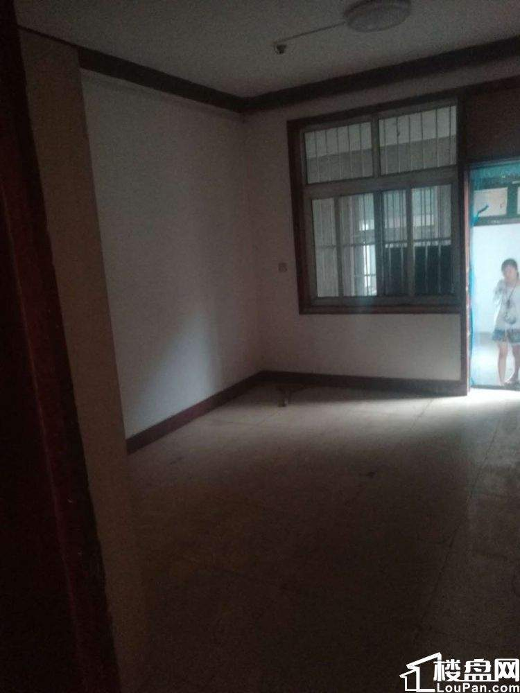 西苑小区 2室2厅1卫