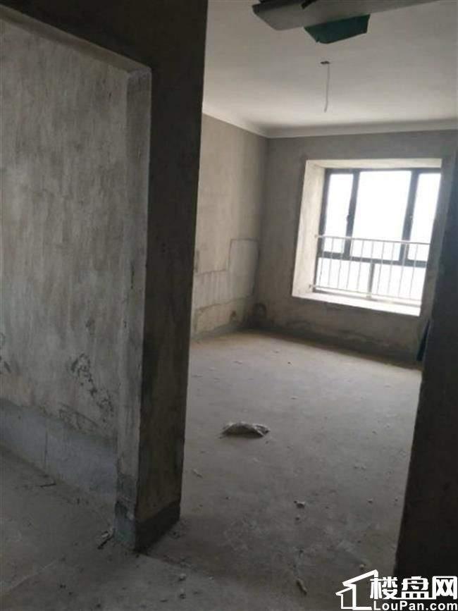 鹏腾房产三桥月亮湾附近幸福里,黄 金楼层,足不出户就找到好房