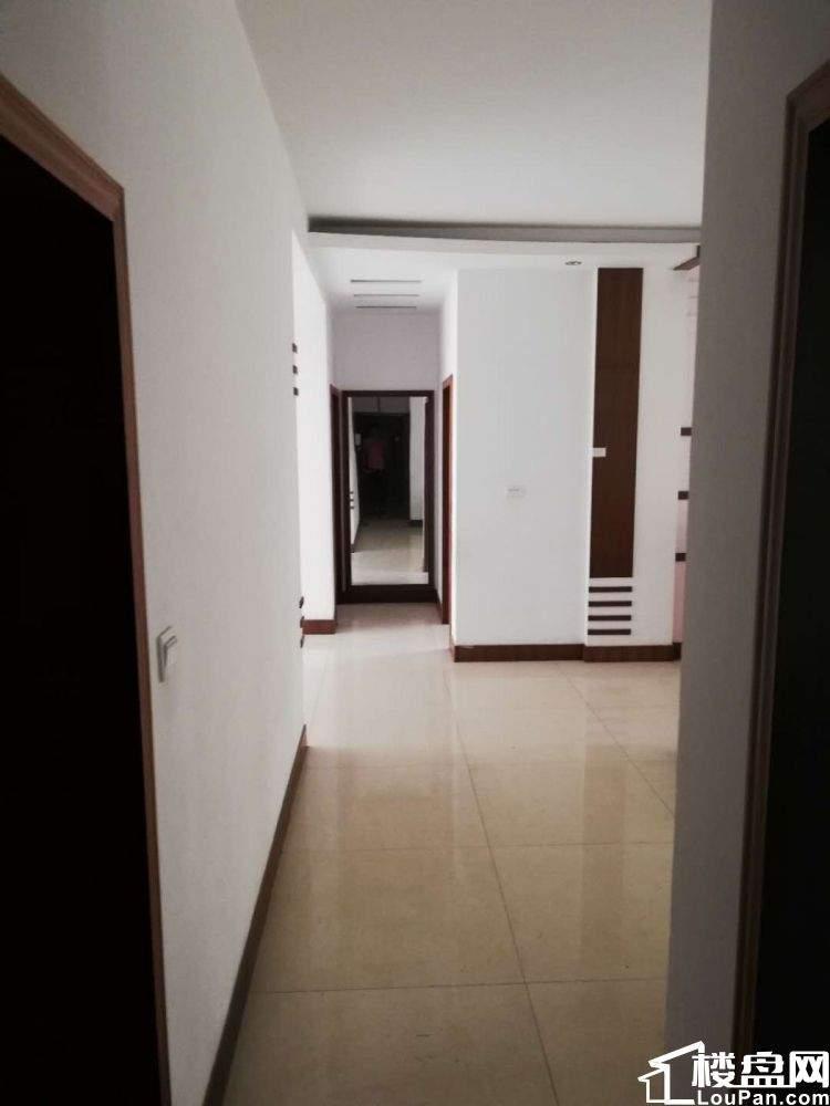 价格实惠离梦想很近 实现舒适三房 体验奢华生活