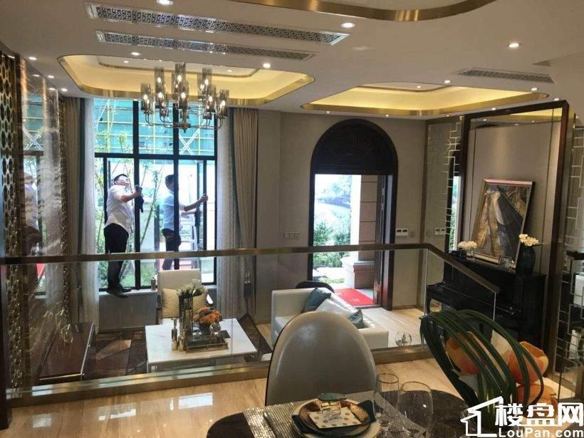 安吉龙山景区,法式城区半山别墅,特价房源,限时出售。