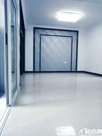 云山路全新精装3房2厅2卫抛售76.6万