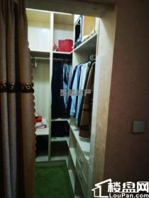 新出精装好房源,三室两厅两卫,满五