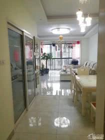 临桂山水凤凰城 南北户型 房东急售  家具家电全送 78万