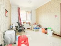 白塔 新市府 精装修 可改小两室 价钱实惠 拎包入住