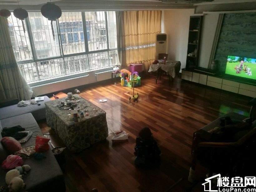 中山公园旁园林公寓