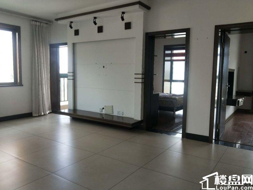 申华翡翠城 128万 3室2厅1卫 精装修,难得的好户型急售