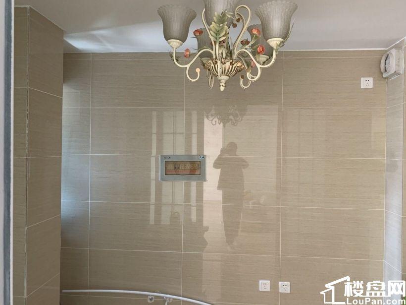 惠丰新城和园南向精装标准一室两厅