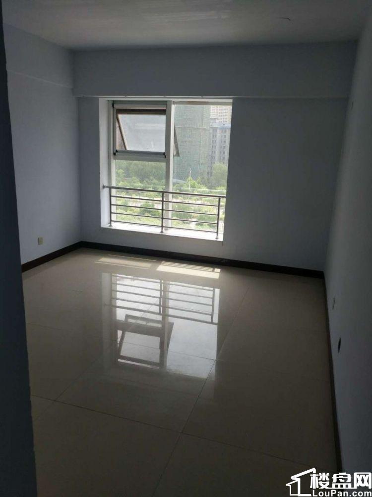 成吉思汗西街新电视台西 梦溪苑 电梯普装6楼大三居 有房本