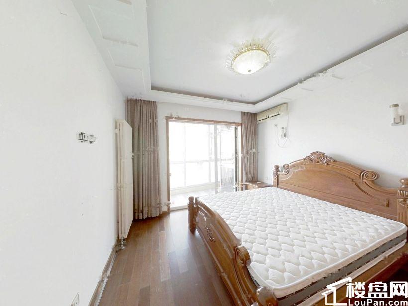 黄海城市花园 东打头 双南卧 200万左右三居室