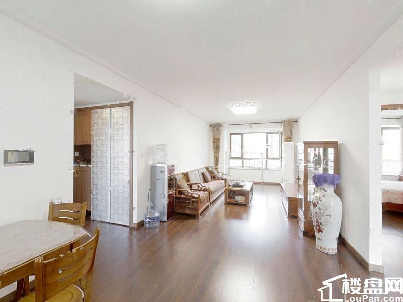 万科御龙山 精装 南厅南卧 总价200万左右的三居 产证在手