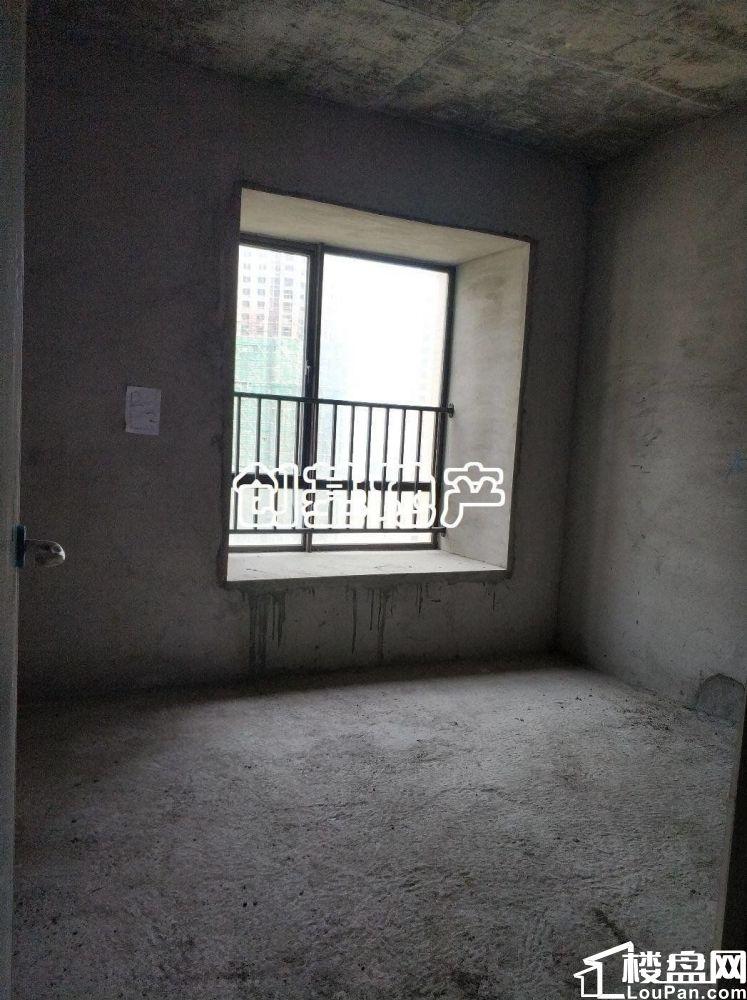 申蓝宝邸毛坯2房 靓景观  中楼层 有钥匙