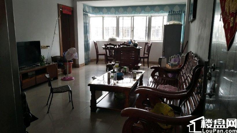 南站邮电局宿舍9楼,2+1户型,送车房有小区绿化