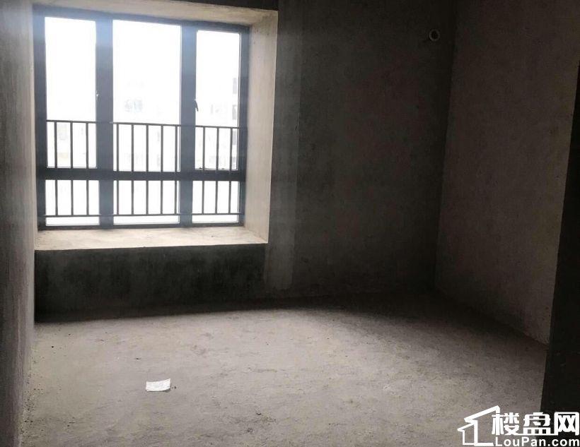 霞山保利原景花园4房2厅海景房亏本出售