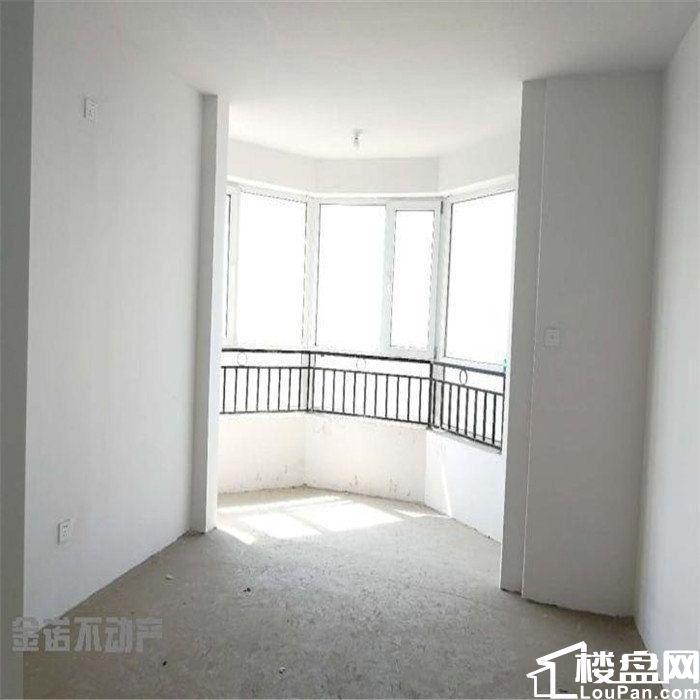 万达北 香堤雅苑 十楼共十一层带八角窗 可贷款可议价