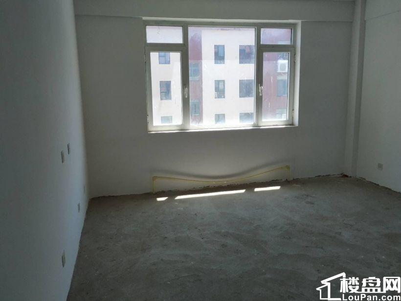 三环嘉苑,北门附近新楼,现房,带车库,便宜出售,好位置