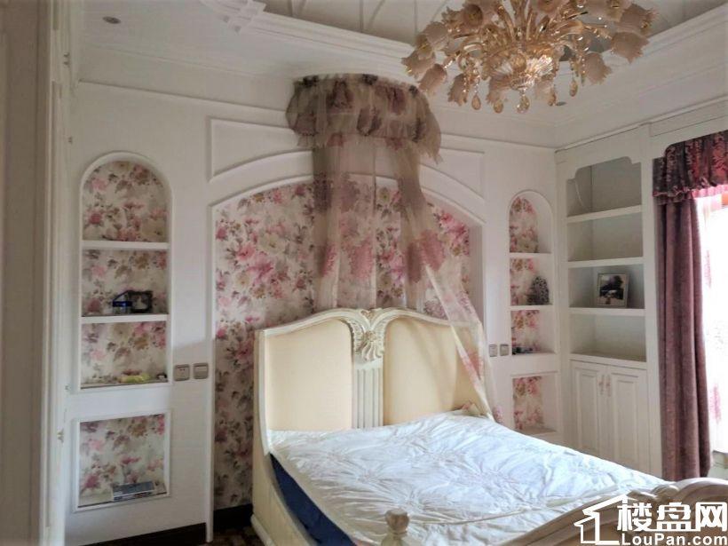 豪装4室,独栋别墅!集中供暖!保利旁西山御园,房本2年无大税