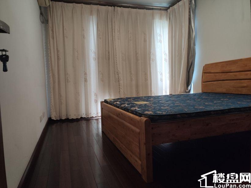 价格含车位 满5唯1 亚东城东区边户 南北通透三居室 精装修