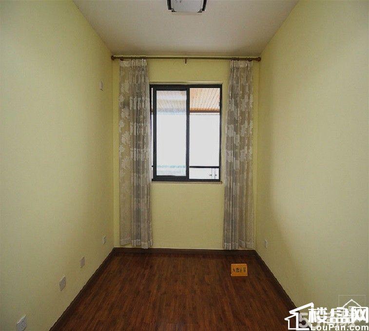 别墅级的小区,单价不破万的精装房,错过这次就还要等等了。