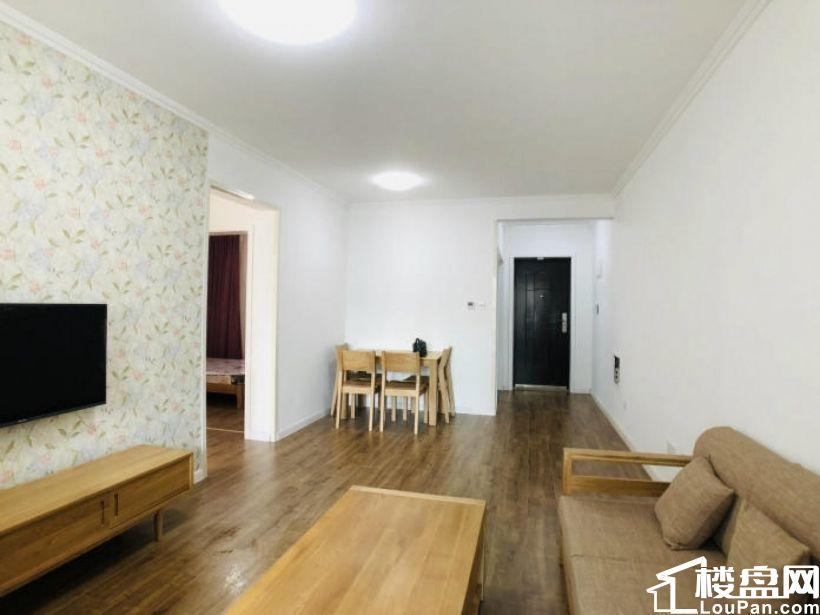 金地悦峰精装修两居室,4200元一个月,家具家电新房
