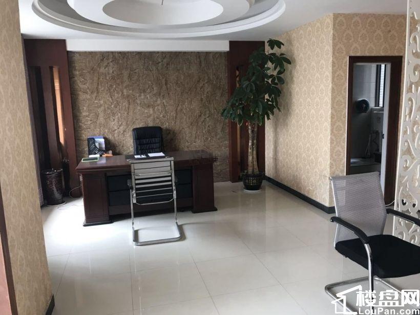 九方市政府旁江南明珠精装四房新房办公出租