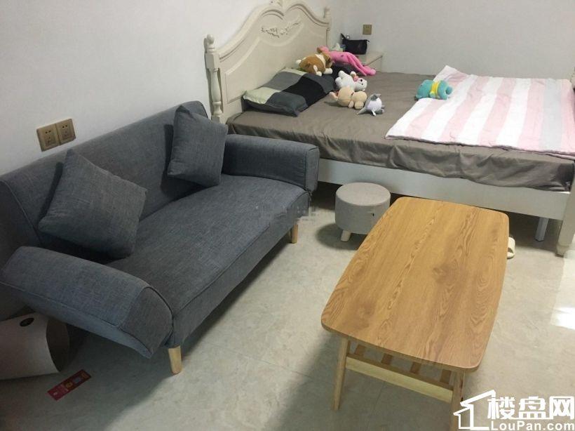 百捷星光城 1200元 1室1厅1卫 普通装修,超值精品,随时看房