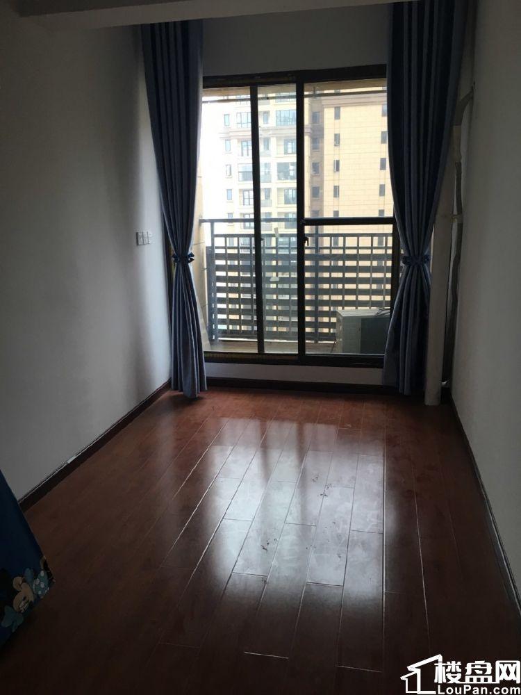 海林广场 3室2厅1卫