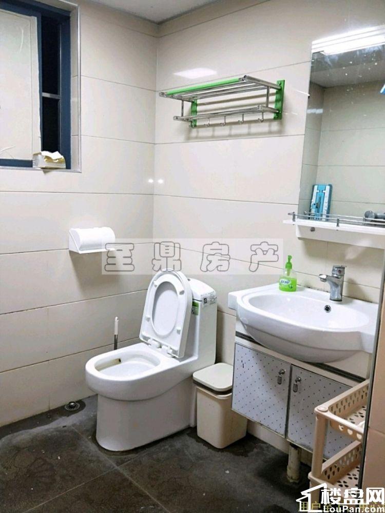 宏桂广场 2000元 2室2厅1卫 普通装修,环境幽静,居住舒适!