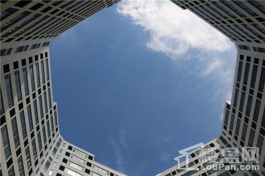 齐鲁创新谷·晶格广场实景图