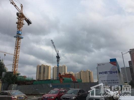 华润置地·万象润街在建工地