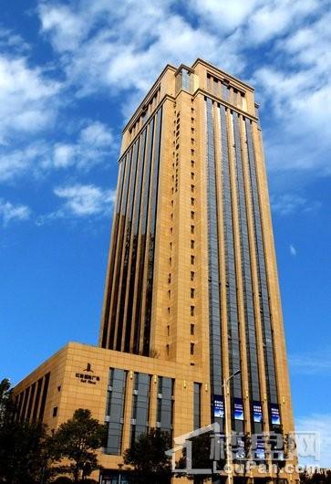 红橡国际广场楼栋仰视图