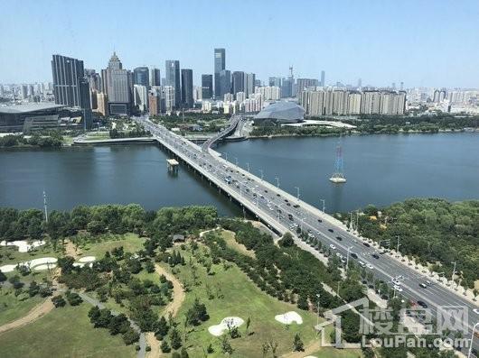 浦江东方大厦实景图