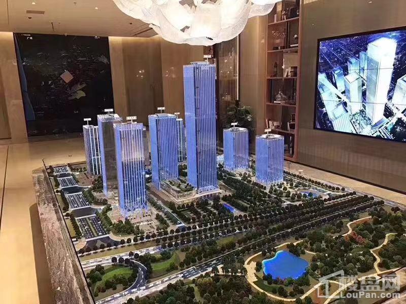 UCC寰宇汇金中心实景图