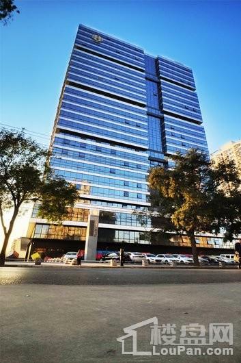 鸿昇广场近拍楼栋外观