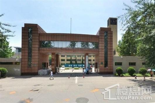 鸿昇广场周边电力公司培训中心