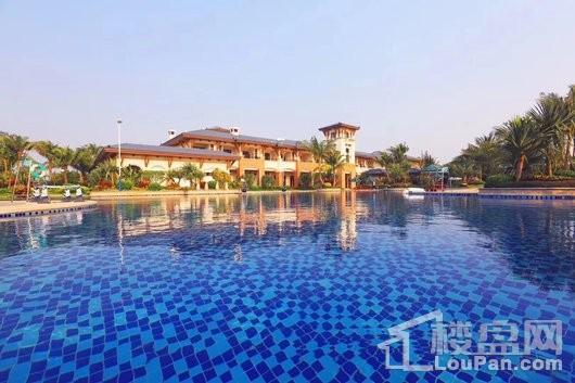 碧桂园椰城小区泳池区