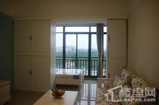 春阳江城国际47平客厅