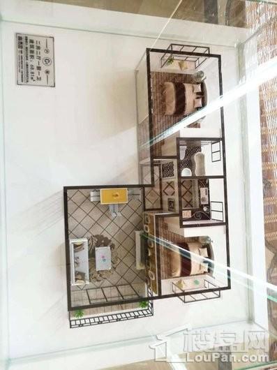 碧水南湾68㎡两房样板间户型模型图