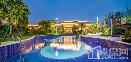 碧桂园十里繁花泳池夜景