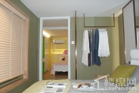 鼎盛大观复式公馆卧室