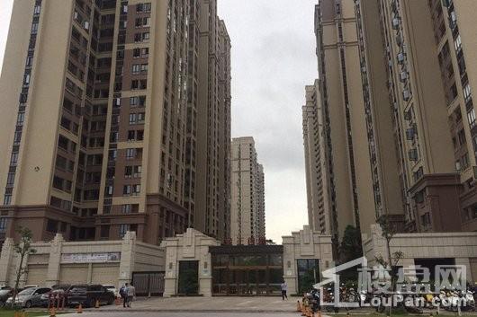 金王首府小区入口2