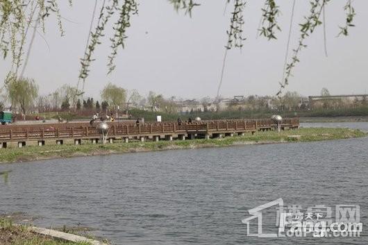 润德万科翡翠公园周边高迁公园水系