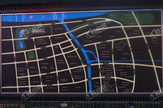 蔚蓝滨江交通图