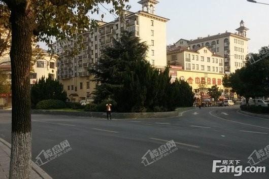 北大资源莲湖锦城周边中百仓储