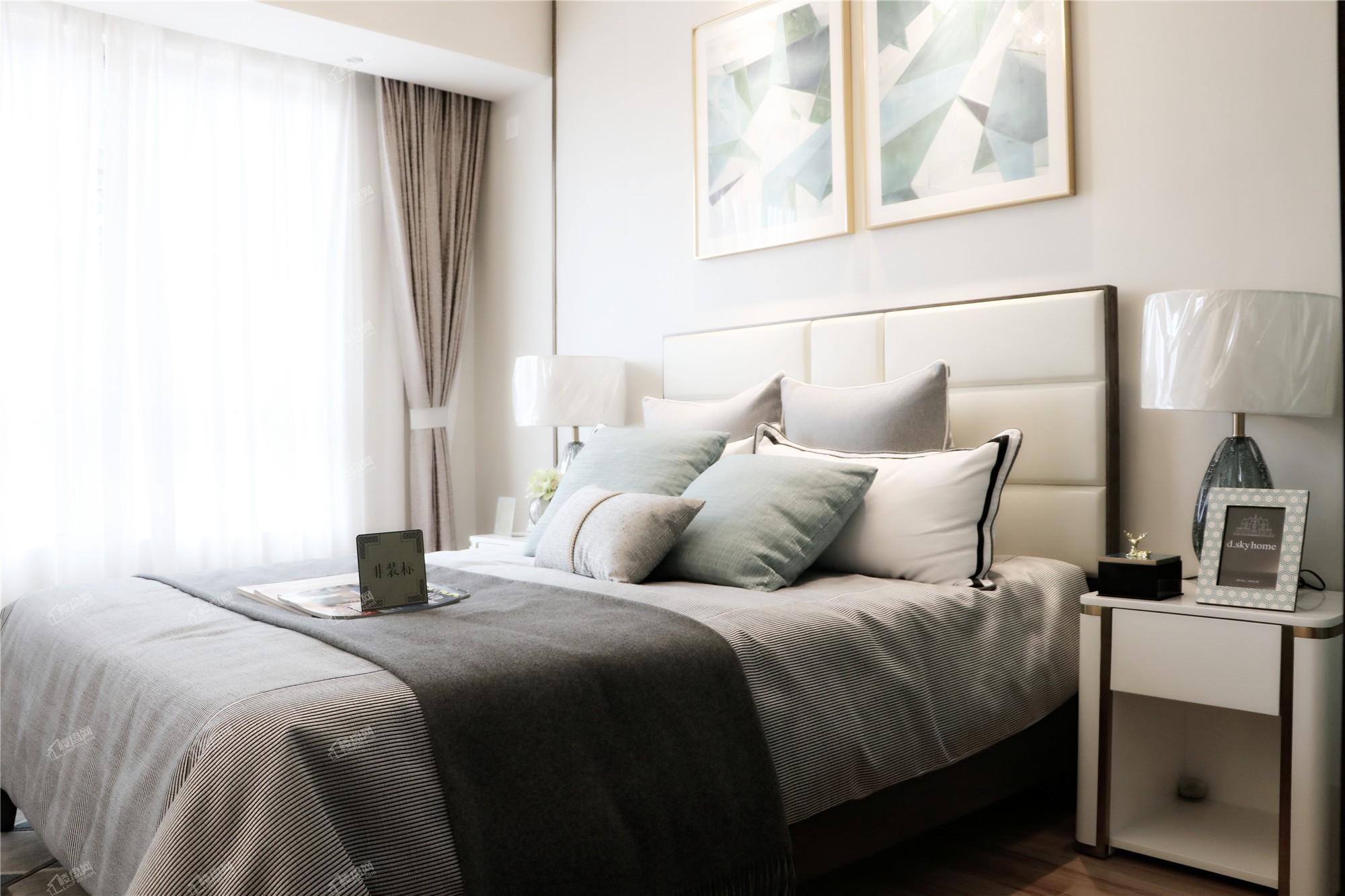 龙门馨园一期1、2、3号楼A1、A2户型卧室