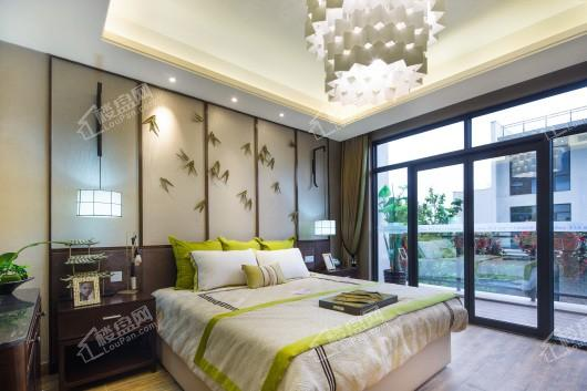 鼎龙湾国际海洋度假区别墅卧室