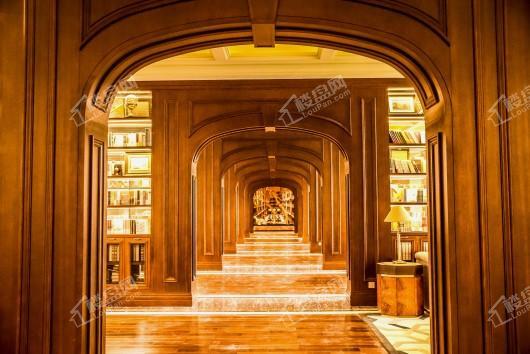 翡翠书院小区售楼处